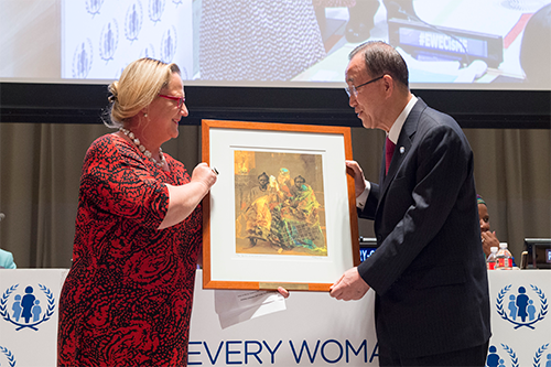UNSG-receives-award-from-WD